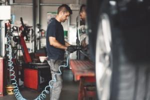 body-shop-mechanic